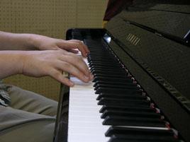 ピアノ弾き語りクラス